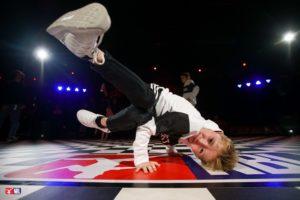 De allerleukste breakdance lessen voor kids en tieners Heeze en omgeving! Lessen vanaf 4 jaar en vanaf 8 jaar bij Dansschool Fresh. Lessen in Sporthal de pompenmaker